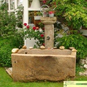 antike Granitsäule mit Grander