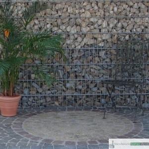 Sitzkreis aus gelben und roten Pflastersteinen 8/10 cm