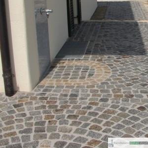 Weg mit antiken Pflastersteinen 8!0 cm