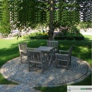 Sitzkreis aus antiken Pflastersteinen 8/10 und 15/17 cm