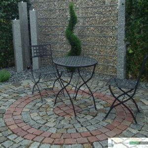 Sitzkreis aus antiken und roten Pflastersteinen 8/10 cm, unverfugt