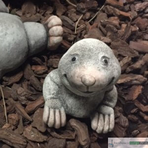 Englischer Antiksteinguss: 004. Smiling Mole, h 12 cm