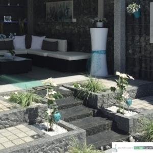 Wasserlauf im modernen Garten