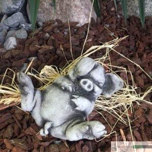 Englischer Antiksteinguss: 005. Happy Smal Pig, h 11 cm