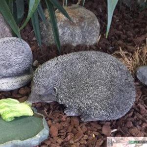 Englischer Antiksteinguss: 009. Large Hegehog, h 17 cm