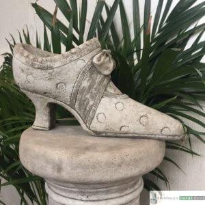 Englischer Antiksteinguss: 015. Lady Shoe A, h 15 cm