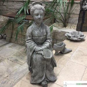Englischer Antiksteinguss: 020. Geisha, h 68 cm