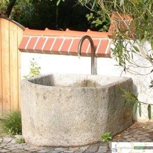 Antiker Granit Grander mit Messing- Schwanenhals
