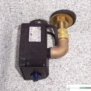 Oase Pumpe für Wasserausläufe, z.B. Messing Schwanenhals