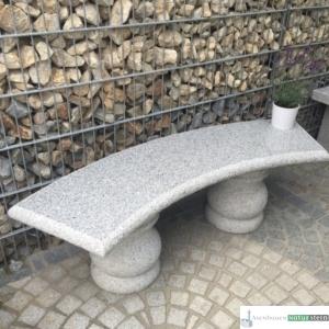 Granitbank grau, Oberfläche gestockt - Sitzfläche poliert, 148x40xh45 cm, ca. 200 kg