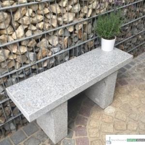 Granitbank grau, Oberfläche poliert 100x30xh47 cm, ca.120 kg