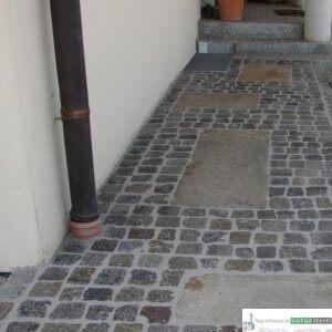 Antike Pflastersteine und Kretplatten
