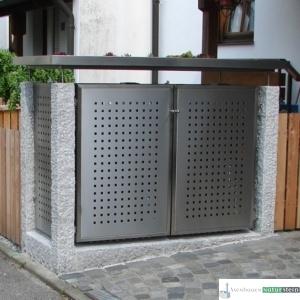 Mülltonnenhäuschen aus Granit-Zaunpfosten, grau gespitzt/ Elemente, gebürstetes Edelstahl
