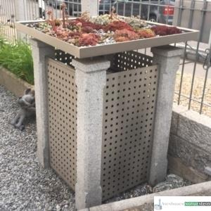 Mülltonnenhäuschen aus Granit-Zaunpfosten, grau geflammt/ Elemente, gebürstetes Edelstahl