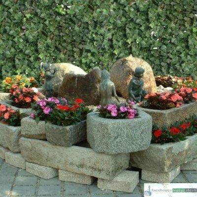 antike Granit- Pflanztröge, Ausstellung Emslander 2005