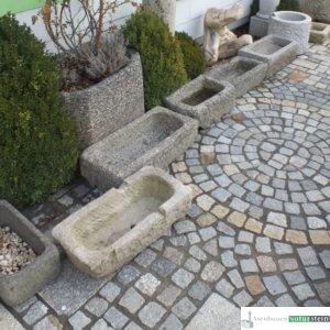 antike Granit- Pflanztröge klein/ Boan, jeder Trog ein Einzelstück