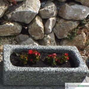 antiker Granit- Pflanztrog klein/ Boan, jeder Trog ein Einzelstück