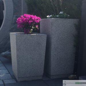 Granit-Pflanzkübel in 2 Größen