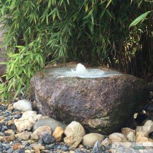 Granit-Überlauf, inkl. Wasserauffangbecken, Pumpe und LED