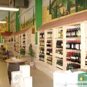 Getränke Fleischmann, Regensburg 2007, Regale aus Jurakalk-Rebmauerwerk